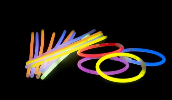 Pulseras luminosas de muchos colores