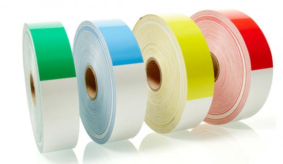 Thermo-Armbänder in verschiedenen Farben ohne Druck auf einer Rolle